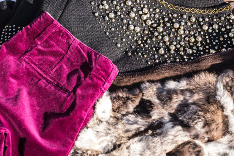 ニットセーター ビーズ刺繍 ファージャケット ベロアロングパンツ レディース古着 コーデ