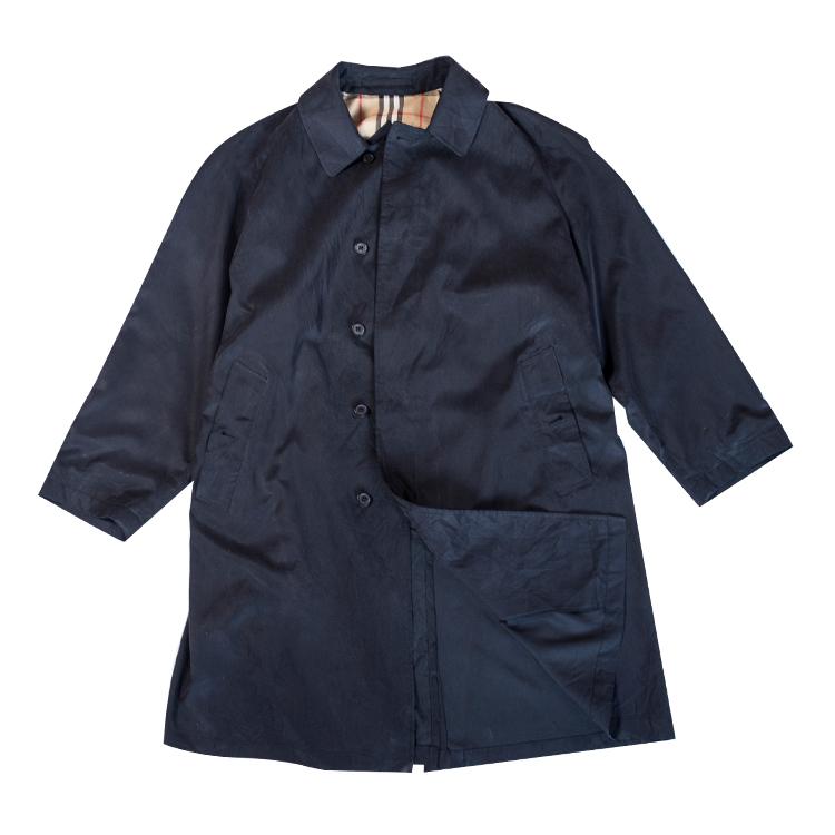 ステンカラーコート バーバリー ブラック コーデ ブランド 着こなし