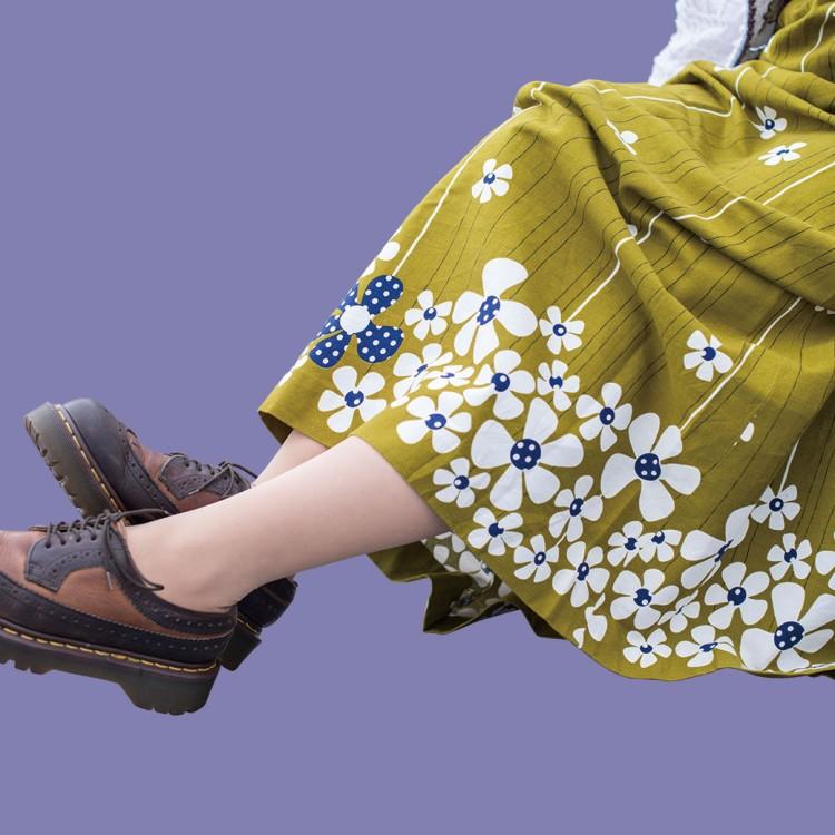 花柄 Aライン スカート ロングスカート 刺繍 コットンジャケット ショート丈 総柄 長袖シャツ ドクターマーチン ウイングチップ レトロ レディース 古着 コーディネート 春コーデ