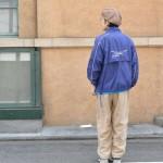 ナイロン × ワンポイントT で都会的な90'sコーデに。 古着屋JAM京都店