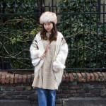 モヘアニット×ファー帽子で冬のモコモコスタイル